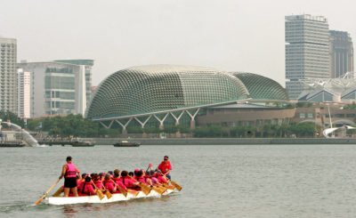 There are now breast cancer survivor dragon boat teams around the world. (Wong Maye-E/AP)