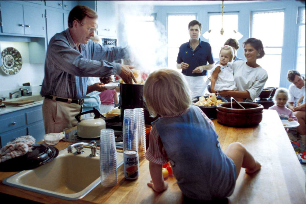The Bush family gathers to eat homemade tamales at their vacation home in Kennebunkport, Maine. (Courtesy of David Valdez)