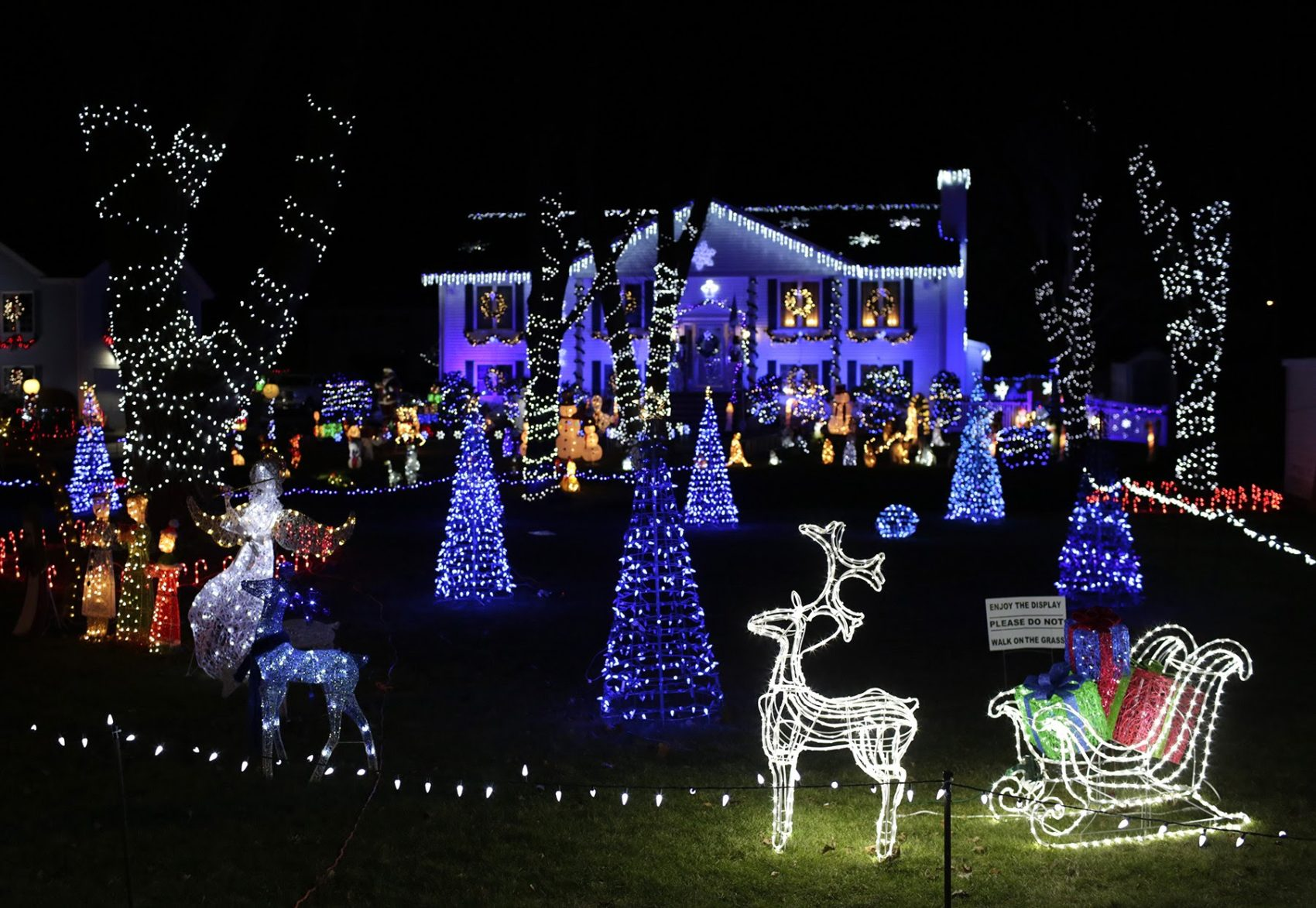 Boston Christmas Lights.12 Places To Check Out The Best Holiday Lights In Greater