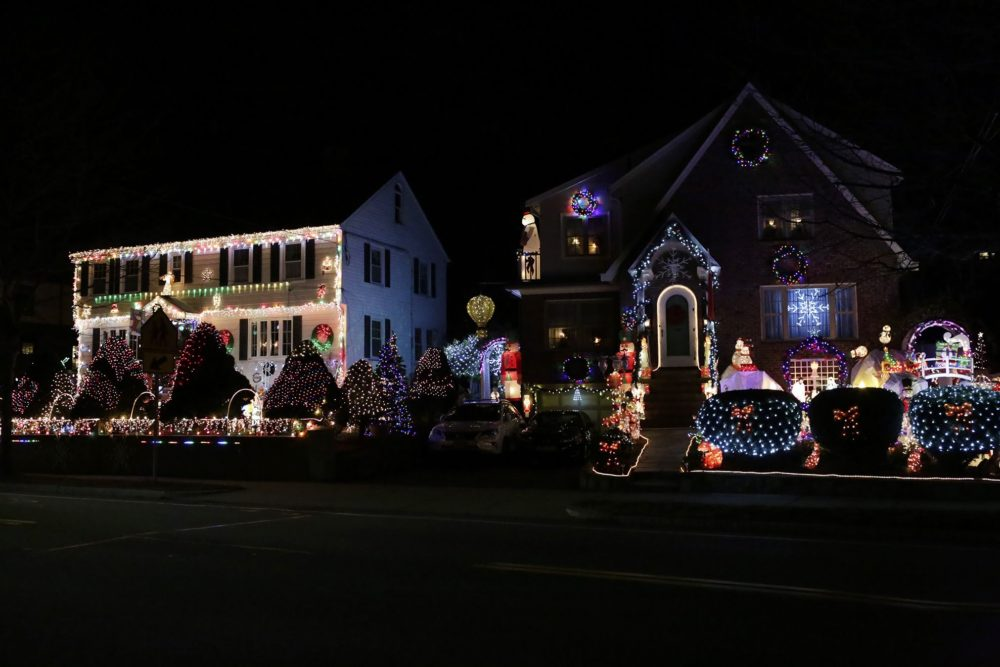 12 Places To Check Out The Best Holiday Lights In (Greater) Boston ...