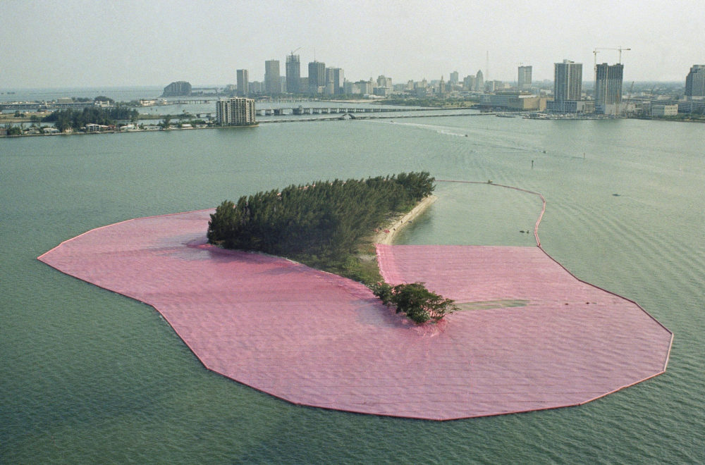"""A view of artist Christo's """"Surrounded Islands"""" in Miami, Fla., May 1983. (Kathy Willens/AP)"""