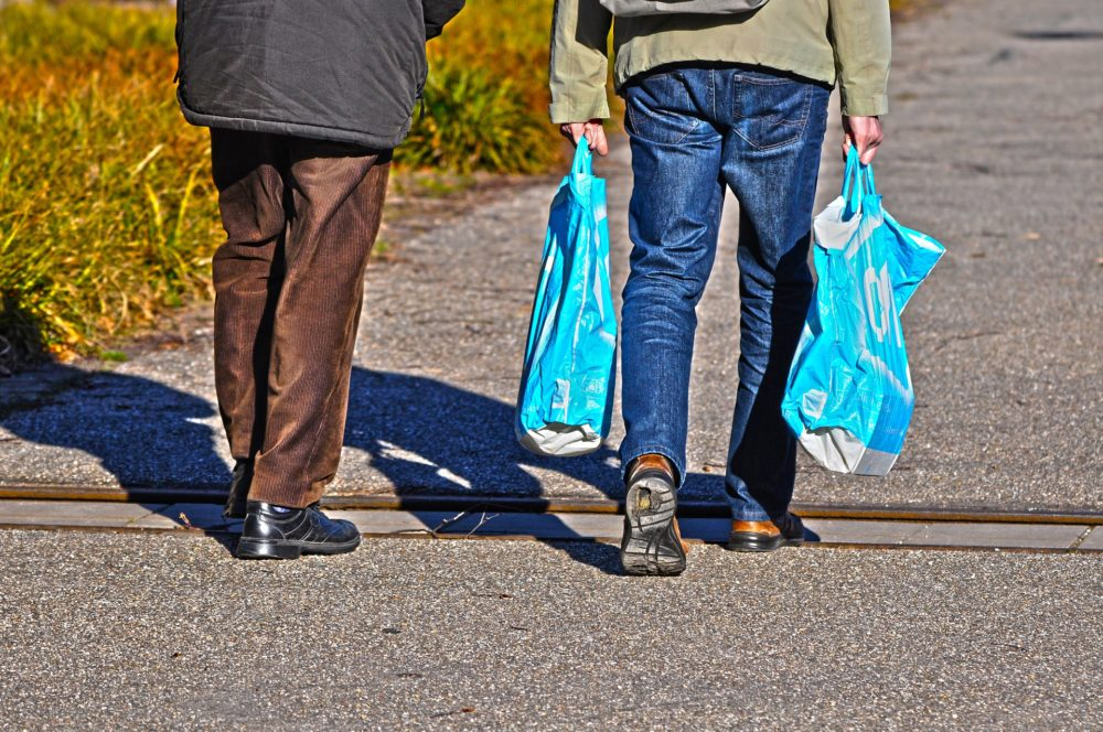 New Hampshire lawmakers are preparing to consider a new push against plastic bags. (MabelAmber/Pixabay)