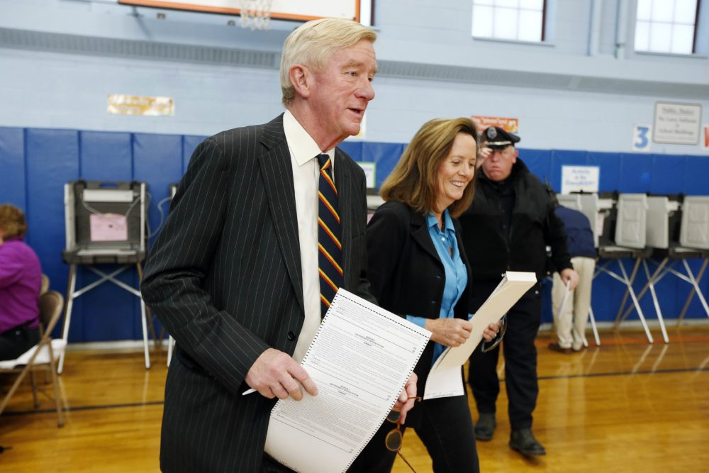 Then-Libertarian vice presidential candidate and former Massachusetts Gov. Bill Weld is seen with his wife in this 2016 file photo. (Michael Dwyer/AP)
