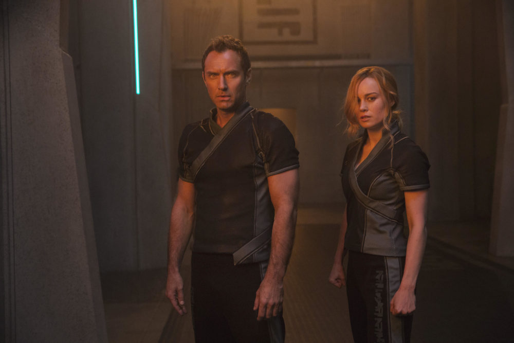 "Jude Law as the Leader of Starforce and Brie Larson as Vers/Captain Marvel in ""Captain Marvel."" (Courtesy Chuck Zlotnick/Marvel Studios)"