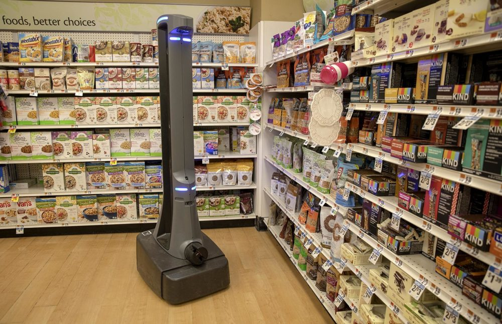 "Stop & Shop's autonomous robot ""Marty"" patrols a food aisle at the store in Clinton, Conn. (Robin Lubbock/WBUR)"