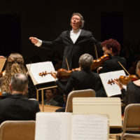 Harry Christophers conducts the Handel & Haydn Society. (Courtesy Stu Rosner)