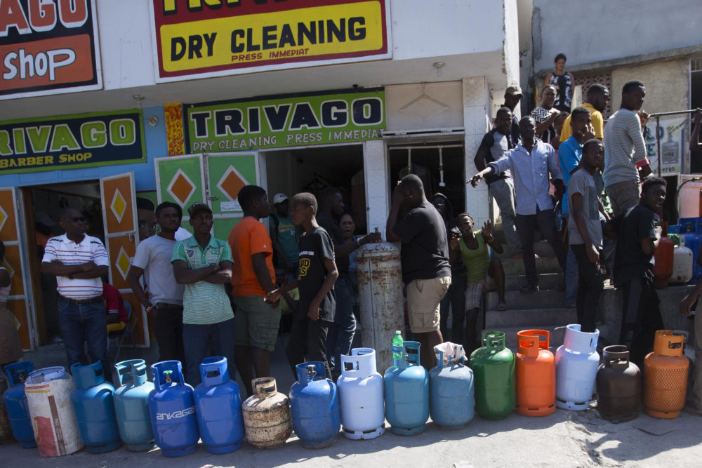 Residents lined up to buy propane gas in Port-au-Prince, Haiti, Monday, Feb. 18, 2019. (Dieu Nalio Chery/AP)