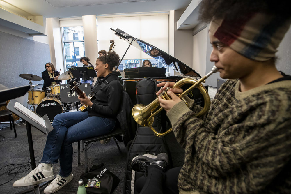 "Terri Lyne Carrington joins students on the drums as they play the Thelonius Monk song ""Bemsha Swing"" at Berklee's Institute of Jazz and Gender Justice class. (Jesse Costa/WBUR)"