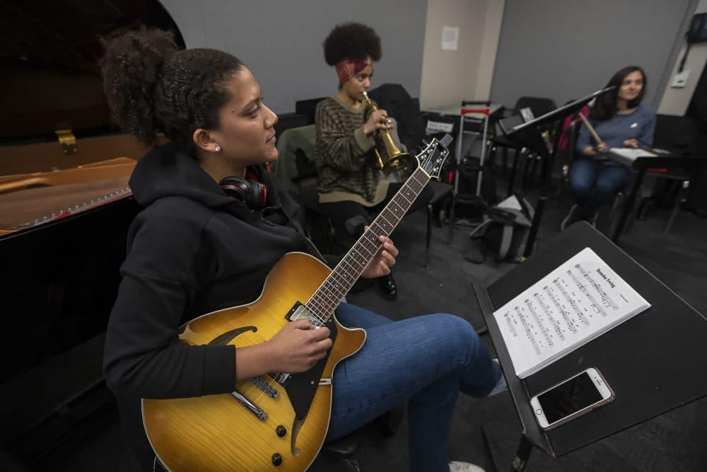 The Berklee Institute of Jazz and Gender Justice class plays Thelonius Monk. (Jesse Costa/WBUR)