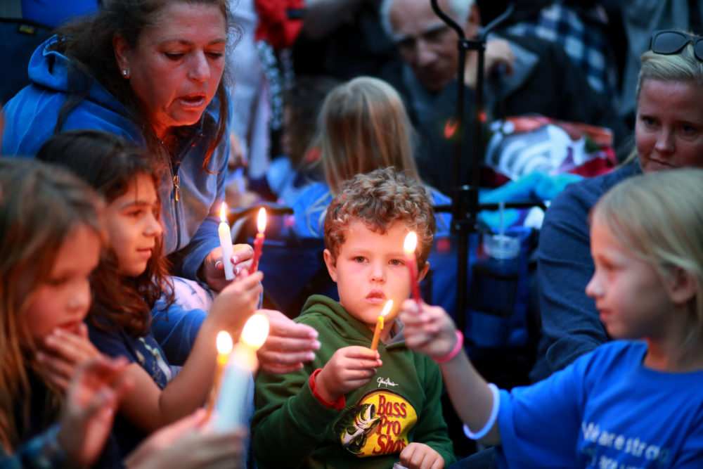 Community members and congregants attend a candlelight vigil for the victim of the Chabad of Poway Synagogue shooting at Valle Verde Park on April 28, 2019, in Poway, Calif. (Sandy Huffaker/AFP/Getty Images)