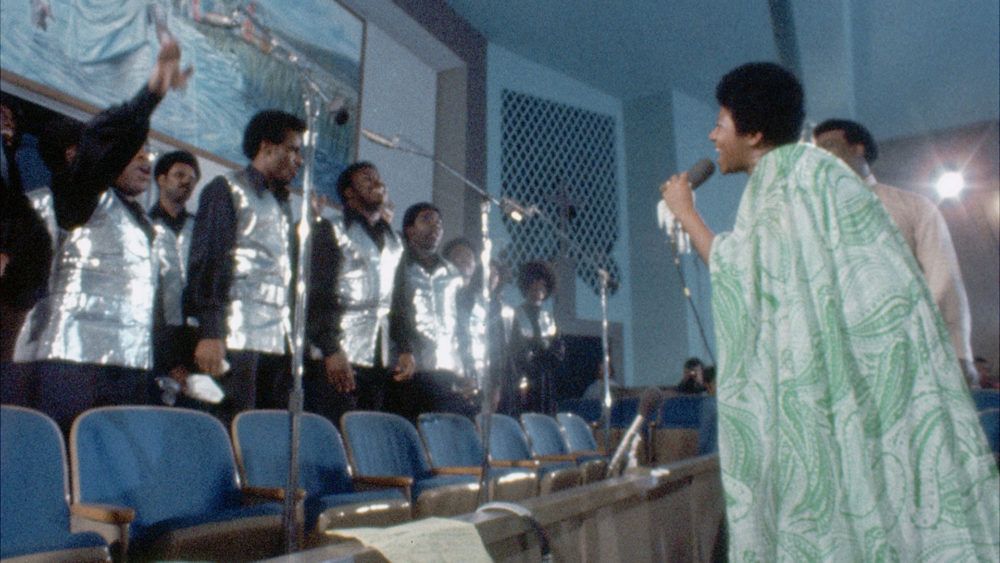 """Aretha Franklin sings with the Southern California Community Choir as she records her album """"Amazing Grace."""" (Courtesy Neon)"""