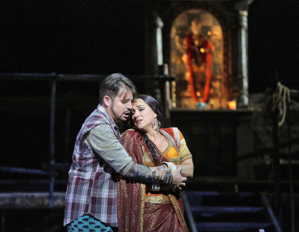 Matthew Polenzani and Diana Damrau in Les Pêcheurs de Perles. (Ken Howard/Metropolitan Opera)