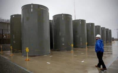 Spent fuel casks at Pilgrim Nuclear Power Station (Robin Lubbock/WBUR)