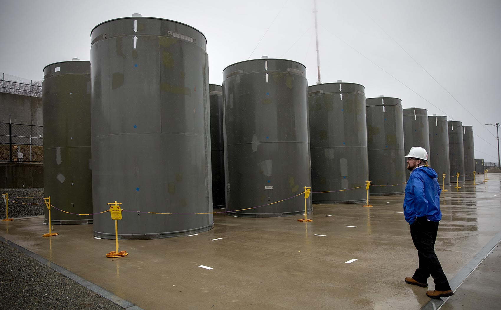 Spent fuel casks at Pilgrim Nuclear Power Station (Robin Lubbock/WBUR)