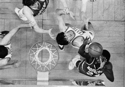 Houston Rockets center Moses Malone (24) goes after a rebound against Boston Celtics center Rick Robey during Game 2 of the 1981 NBA Finals. (Dave Tenenbaum/AP)
