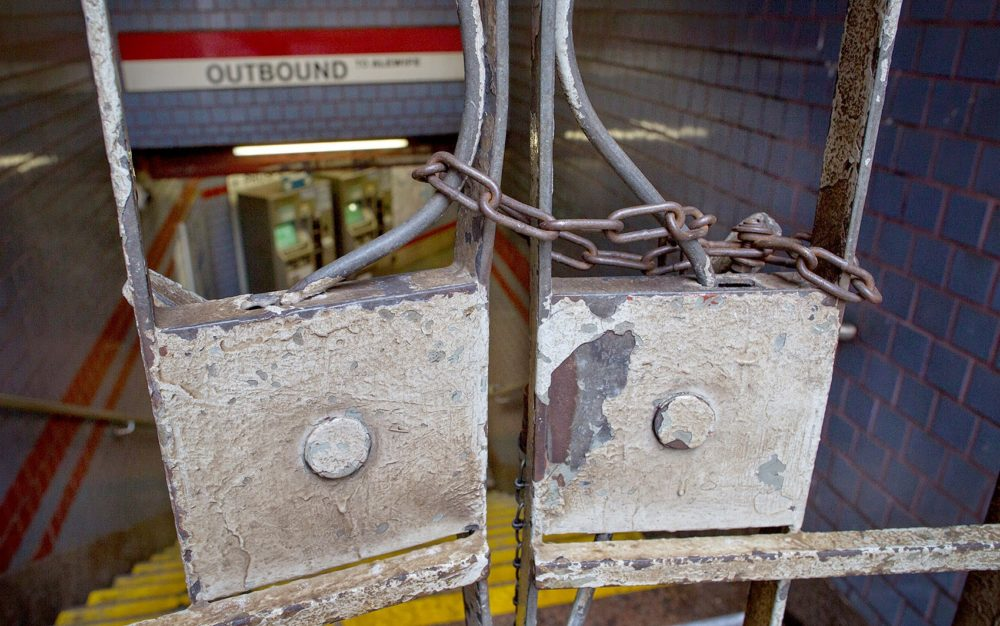 In this February 2015 file photo, the entrance to the MBTA Red Line at Central Square in Cambridge was chained closed on a weekday morning. (Robin Lubbock/WBUR)