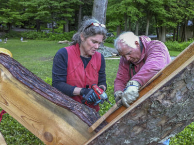 "Laura and Rick Brown work on ""The Housatonic at Stockbridge"" on the grounds of Chesterwood in 2013. (Courtesy Cary Wolinsky/Trillium Studios)"