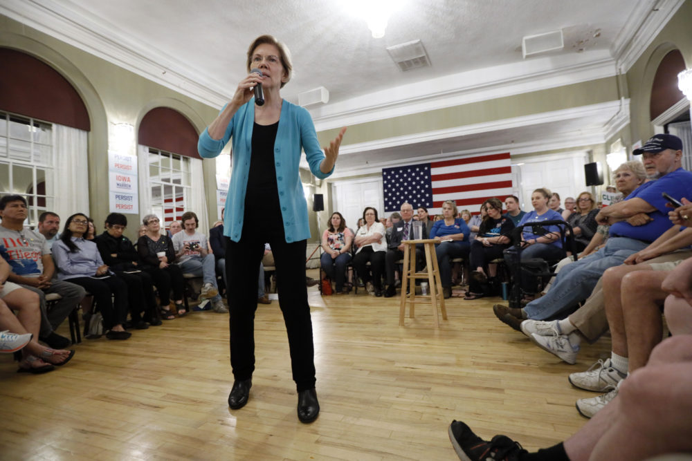 Democratic presidential candidate Sen. Elizabeth Warren speaks to local residents during a meet and greet on May 26 in Ottumwa, Iowa.(Charlie Neibergall/AP)