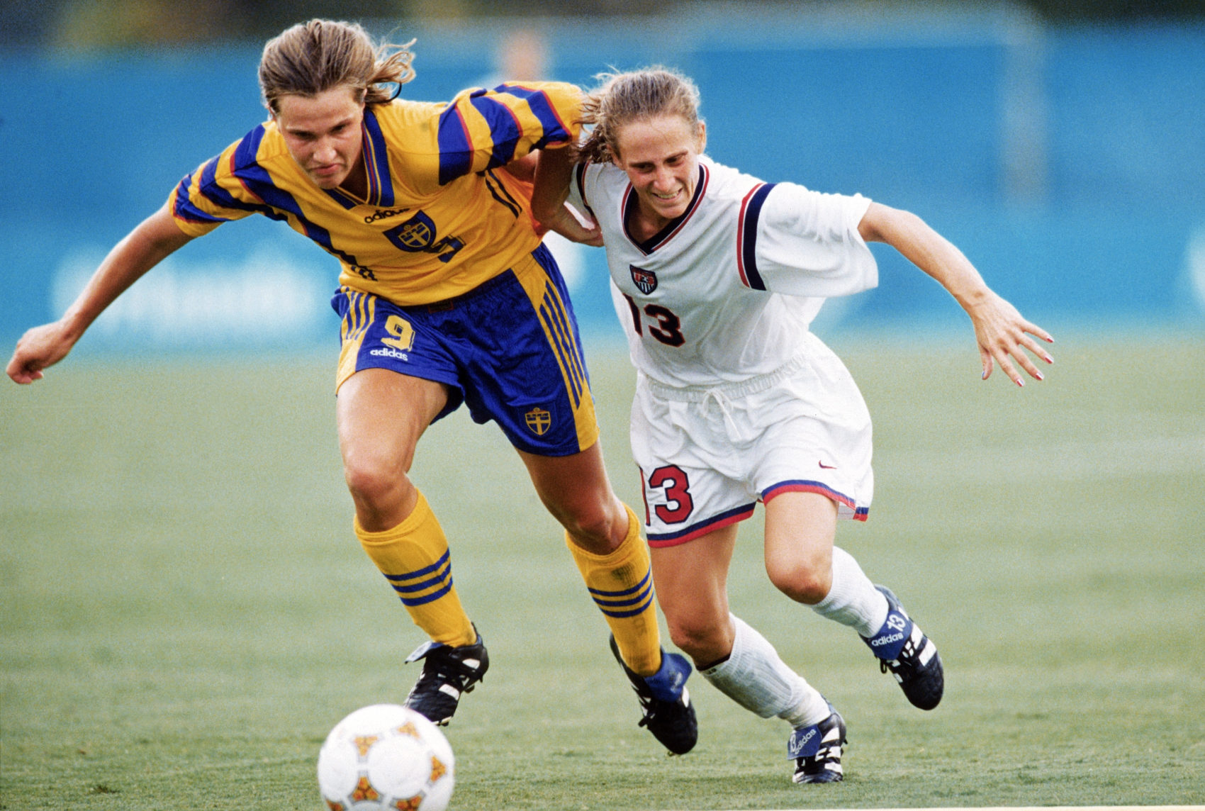 Kristine Lilly playing against Sweden in 1986. (Stephen Dunn/Getty Images)