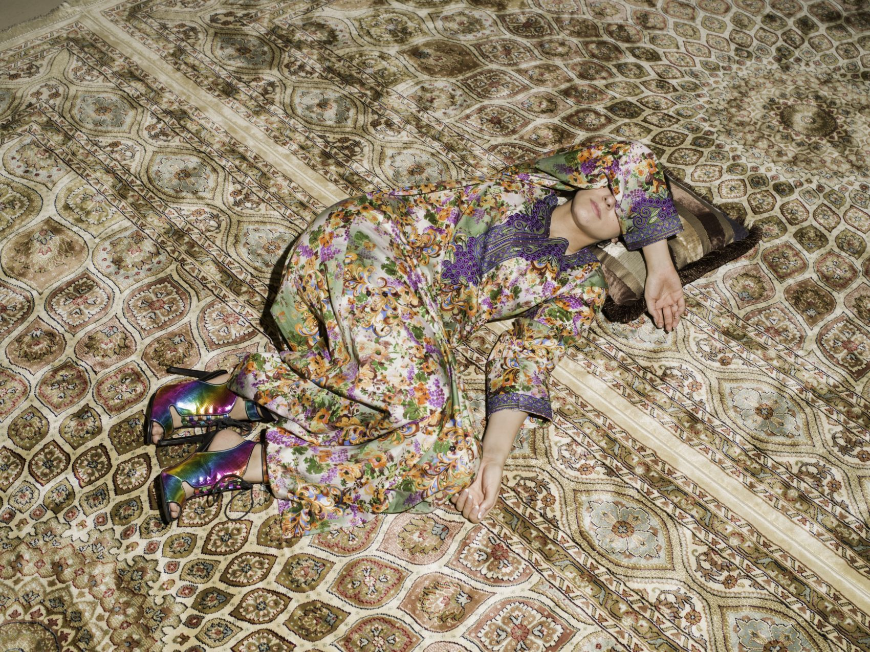 "Farah Al Qasimi, ""M Napping on Carpet,"" 2016. (Courtesy the artist; Helena Anrather, New York; and the Third Line, Dubai)"
