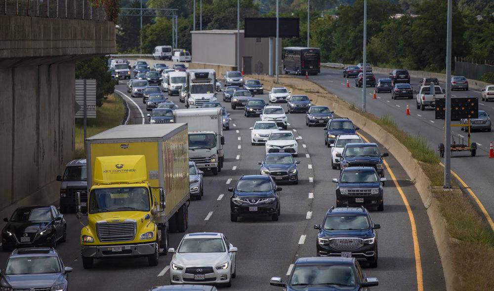 Morning traffic heading north on I-93 in Dorchester. (Jesse Costa/WBUR)