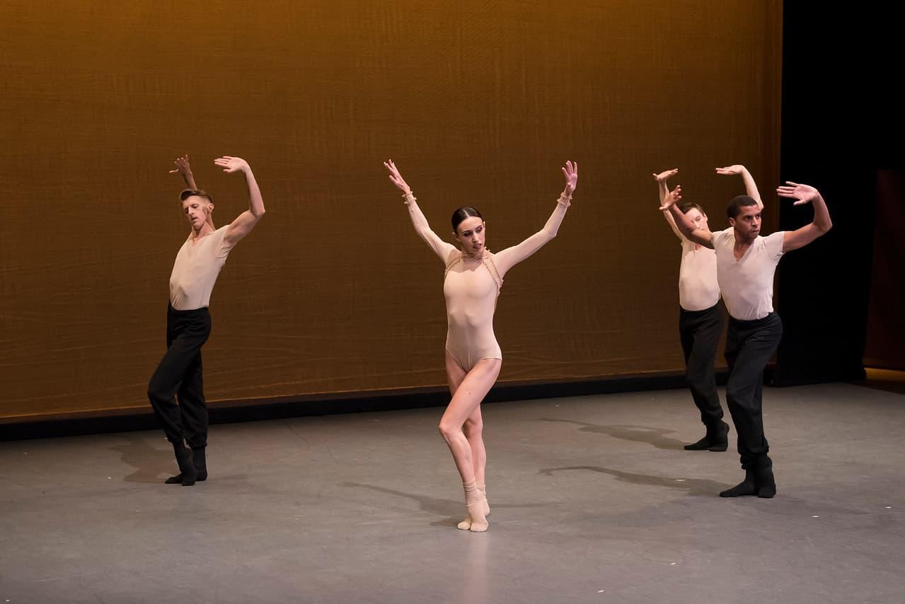 """Boston Ballet members in Lia Cirio's """"Sta(i)r(e)s"""" in 2018. (Courtesy Liza Voll/Boston Ballet)"""