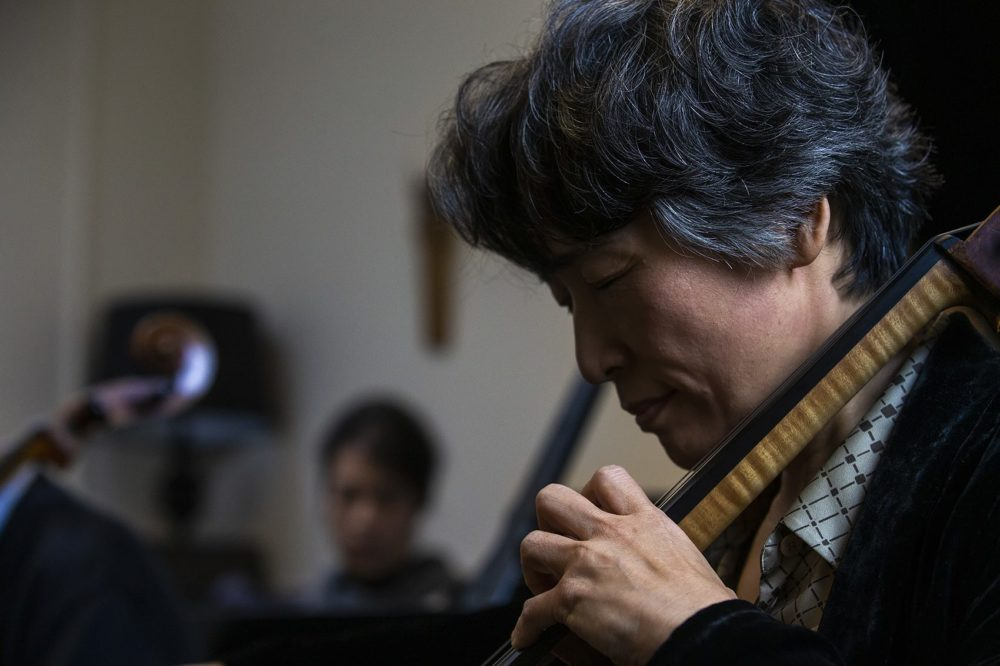 Yeesun Kim plays Cello Suite No. 1 in G Major by Johann Sebastian Bach. (Jesse Costa/WBUR)