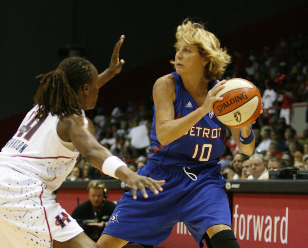 Nancy Lieberman was a 50-year-old ESPN analyst, when she returned to the WNBA in 2008. (Karen Warren/AP/The Houston Chronicle)