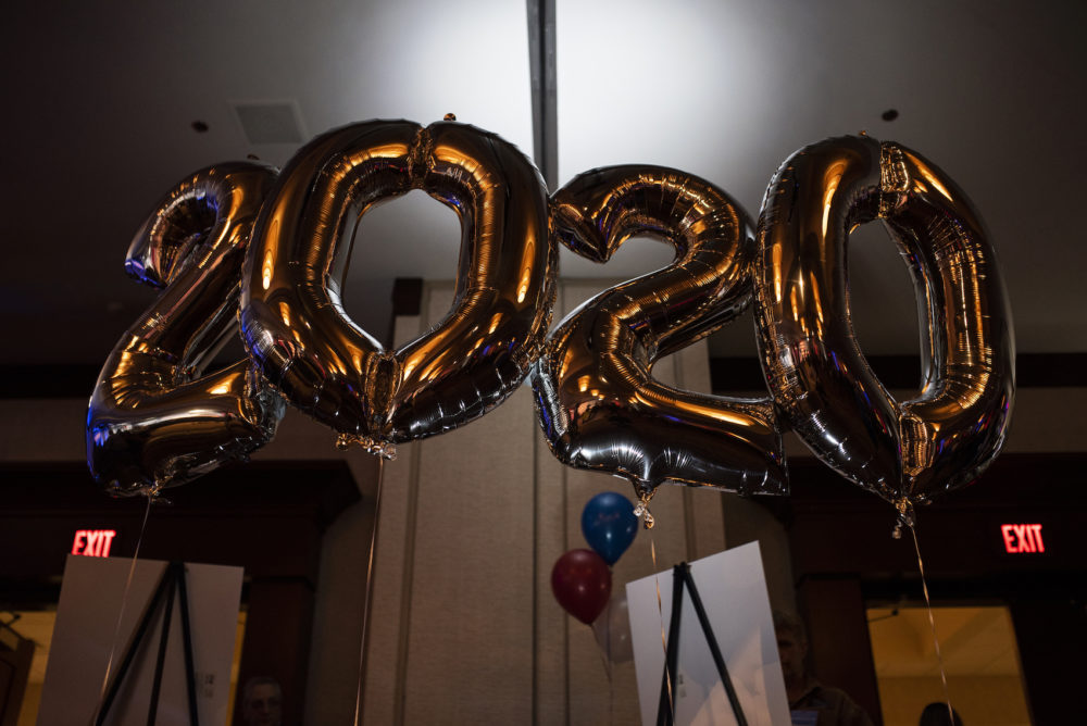 2020 decorative balloons float at a New Year's Eve campaign rally for Bernie Sanders on Dec. 31, 2019 in Des Moines, Iowa. (Stephen Maturen/Getty Images)
