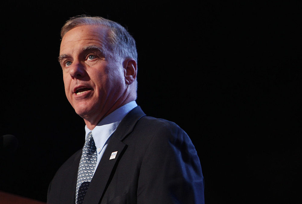 """Howard Dean, former chair of the Democratic National Committee, says presidential candidates need to remember they """"owe this country something."""" (Spencer Platt/Getty Images)"""