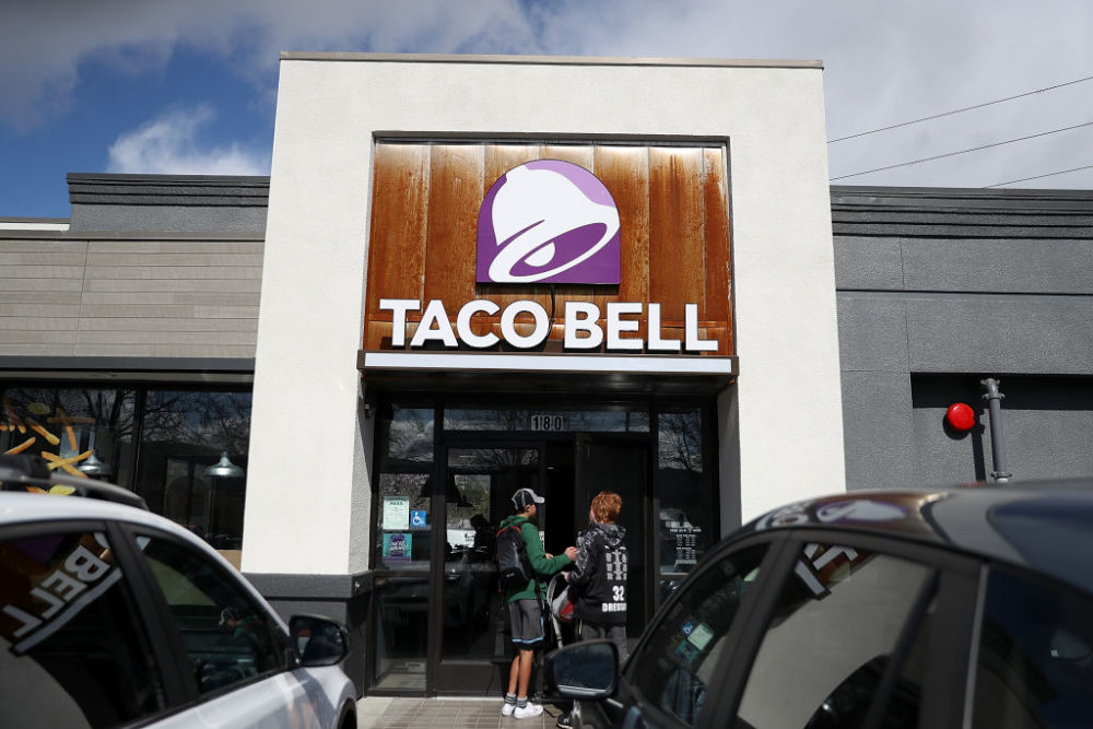 Taco Bell will begin testing raising the salaries of some general managers in some top-performing locations. (Justin Sullivan/Getty Images)
