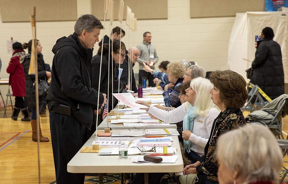 Voting gets under way at Broad Street Elementary School in Nashua, NH. (Robin Lubbock/WBUR)