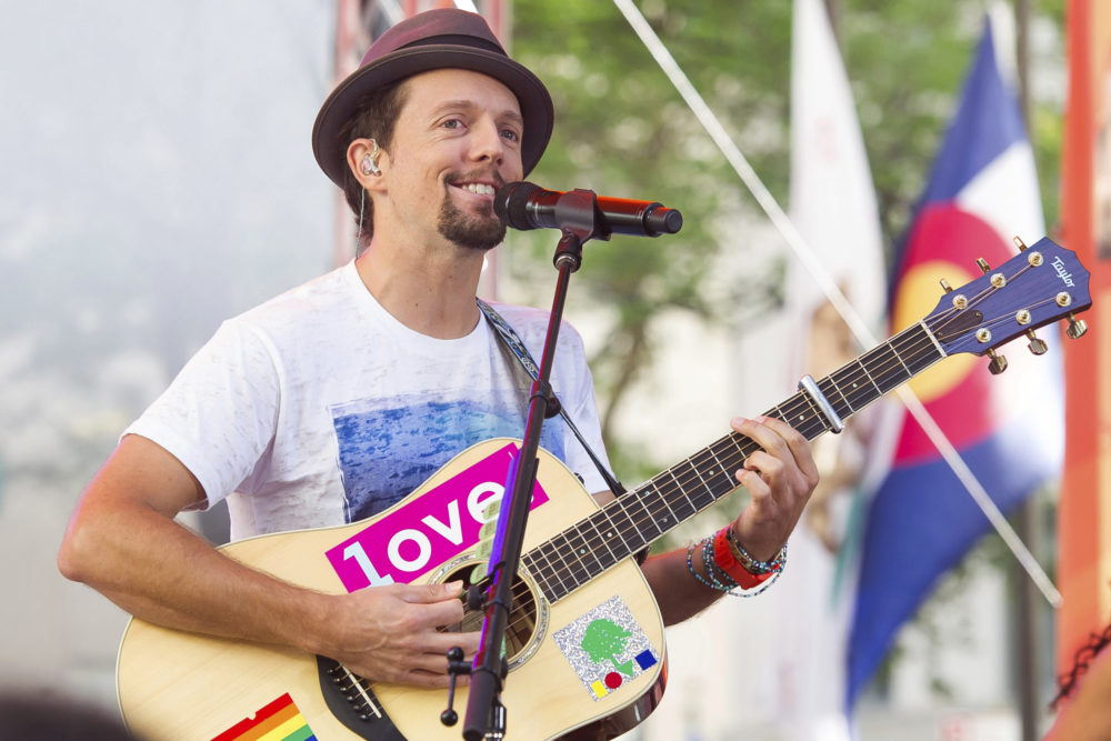 "Jason Mraz performs on NBC's ""Today"" show in 2018. (Charles Sykes/Invision/AP)"