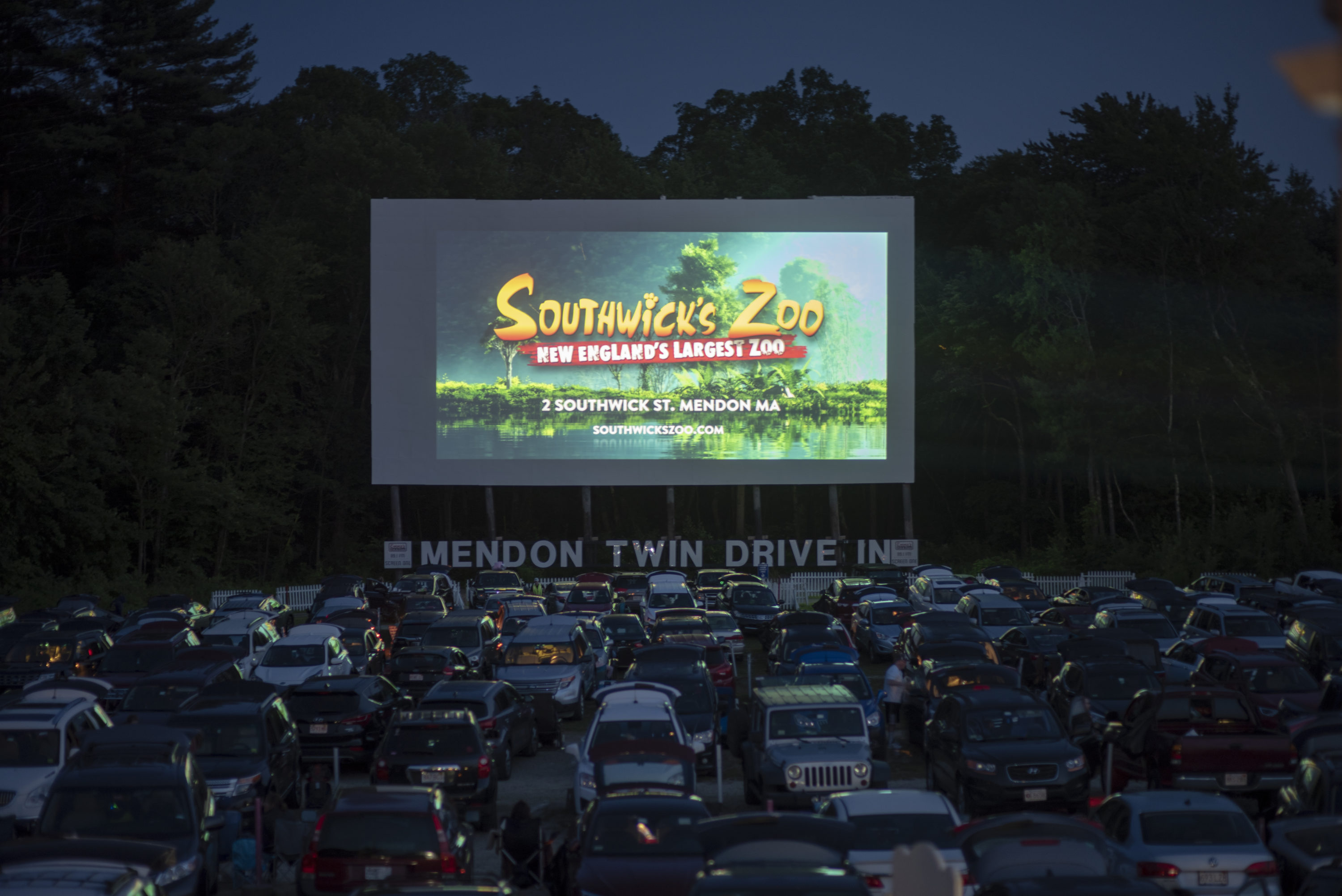 Cars fill the drive-in at a 2019 screening. (Courtesy Mendon Twin Drive-In)