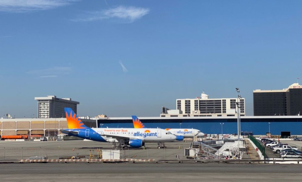 Allegiant planes are seen at Los Angeles International Airport. (Photo by Daniel Slim/AFP/Getty Images)