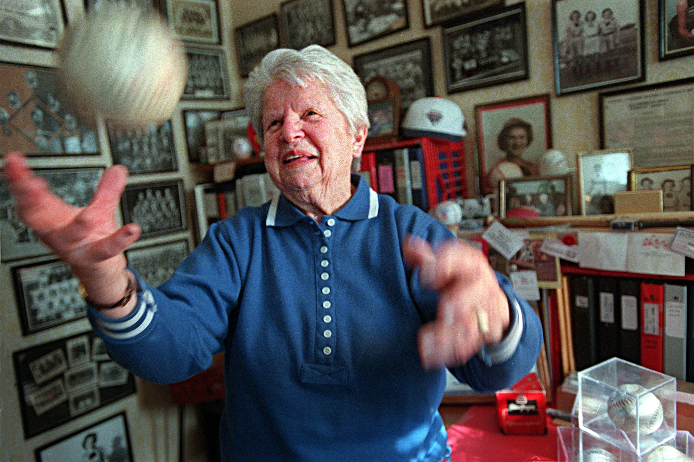 Mary Pratt in her home in Quincy, MA on Feb. 28, 2001. (Photo by Suzanne Kreiter/The Boston Globe via Getty Images)