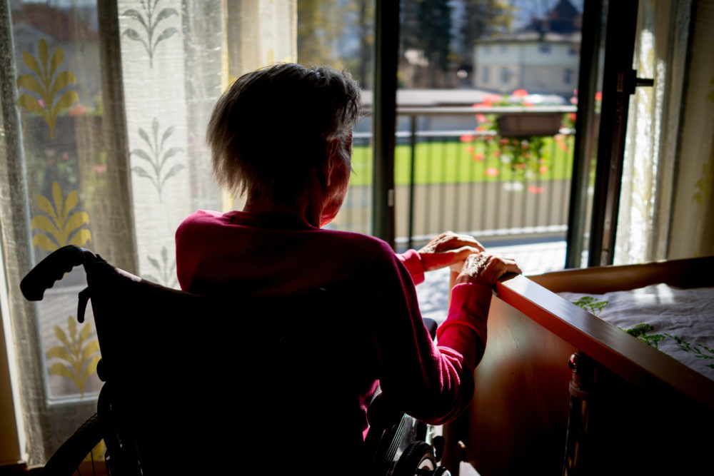 Like so many others, CynthiaDockrell's mother is battling COVID-19 away from those who love her.Some 60 years ago, their family experienced something agonizingly similar. (Getty Images)