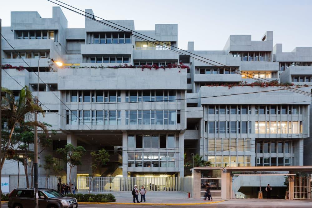 University Campus UTEC Lima. (Courtesy of Iwan Baan)