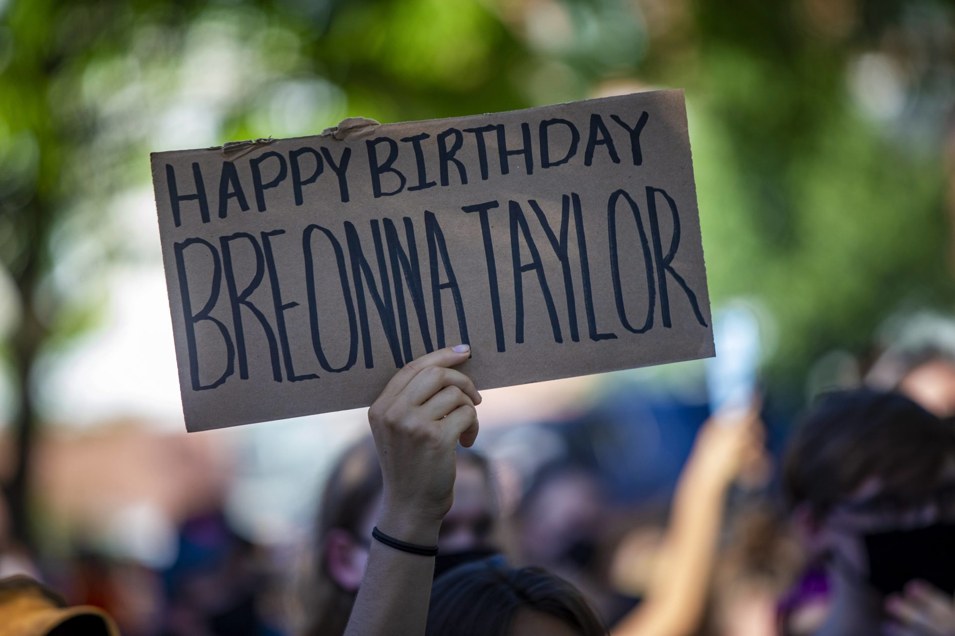 Boston Vigil Honors Breonna Taylor On Her 27th Birthday And Calls For Police Reforms Wbur News