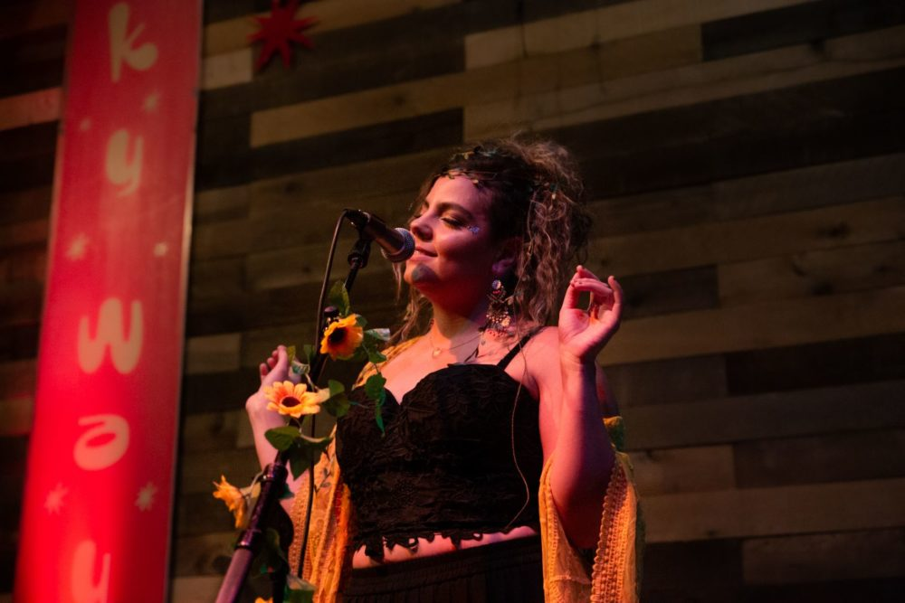 Singer Genie Santiago performs during her Sunflower Concert Series at Bella Luna. (Courtesy Jen Vesp)