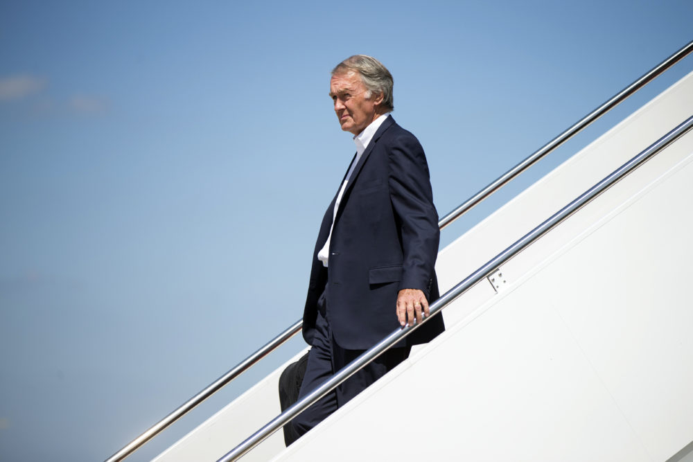 Sen. Ed Markey, D-Mass. disembarks from Air Force One at Andrews Air Force Base, Md., Sept. 7, 2015, after flying with then-President Barack Obama. (Andrew Harnik/AP)