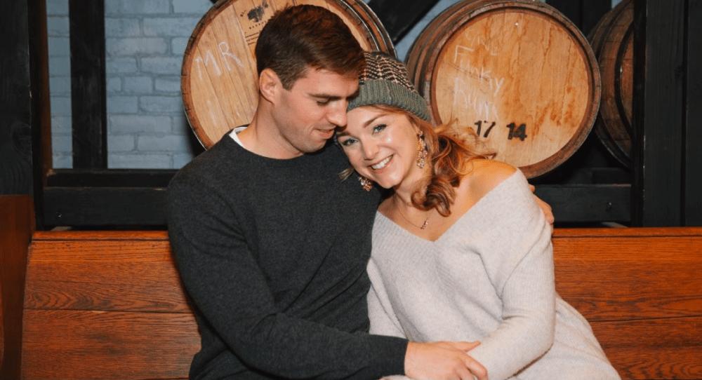 Julia Kaneb et son fiancé Kyle Minogue ont déplacé leur mariage en décembre. (Avec la permission de Mandy Connor)