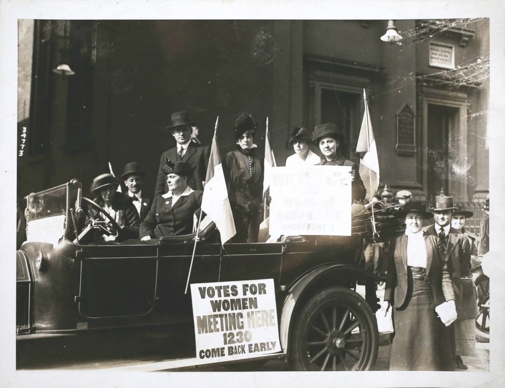 New Jersey suffragettes tour the city on their final round of 'stump speeches' for the 19th amendment. (Hulton Archive/Getty Images)