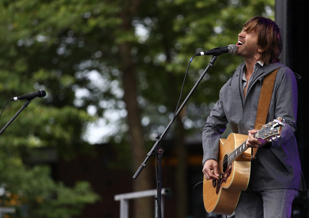 Rhett Miller of the Old 97's rocks the finish line festival following the St. Jude Rock 'n' Roll Seattle Marathon and 1/2 Marathon at Fisher Lawn on June 10, 2018 in Seattle, Washington.  (Ronald Martinez/Getty Images for Rock'n'Roll Marathon)