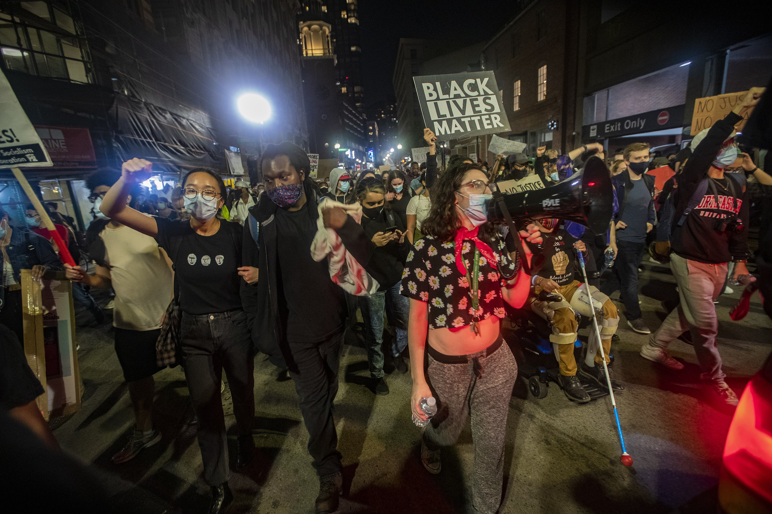 Hundreds March In Boston To Demand Justice After Breonna Taylor Decision Wbur News