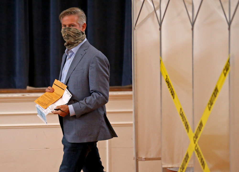 Kevin O'Connor casts a vote at the Dover Town Hall on Aug. 26. (Matt Stone/ MediaNews Group/Boston Herald via GettyImages)