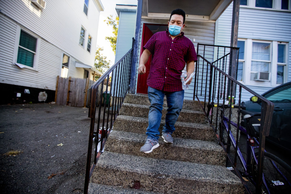 After Robelio Gonzalez stopped paying rent, he says his landlord threatened to call immigration. The landlord denies reporting him to ICE, but agents briefly detained Gonzalez. (Jesse Costa/WBUR)