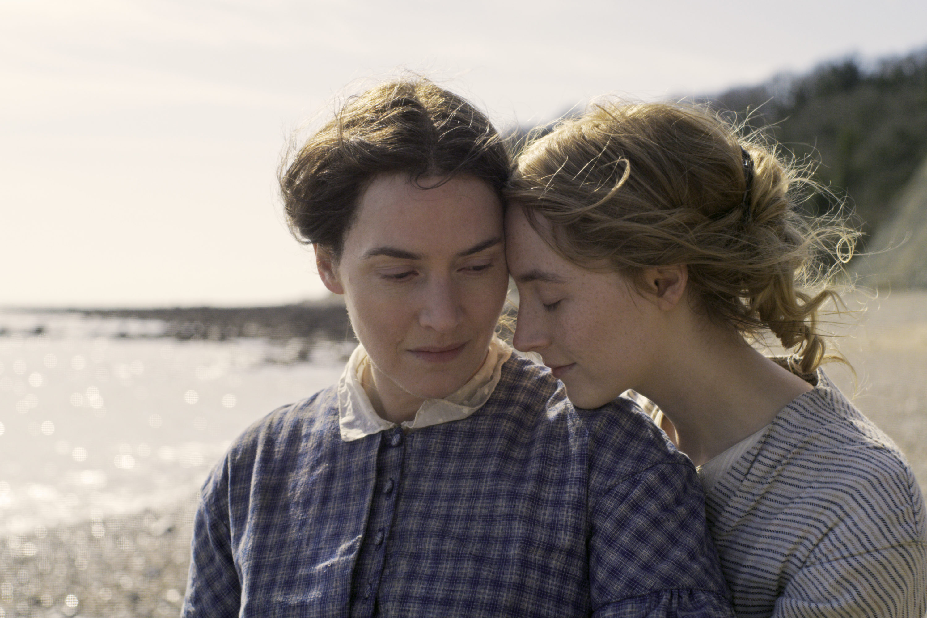 """Kate Winslet (left) and Saoirse Ronan star in director Francis Lee's film """"Ammonite."""" (Courtesy NEON)"""