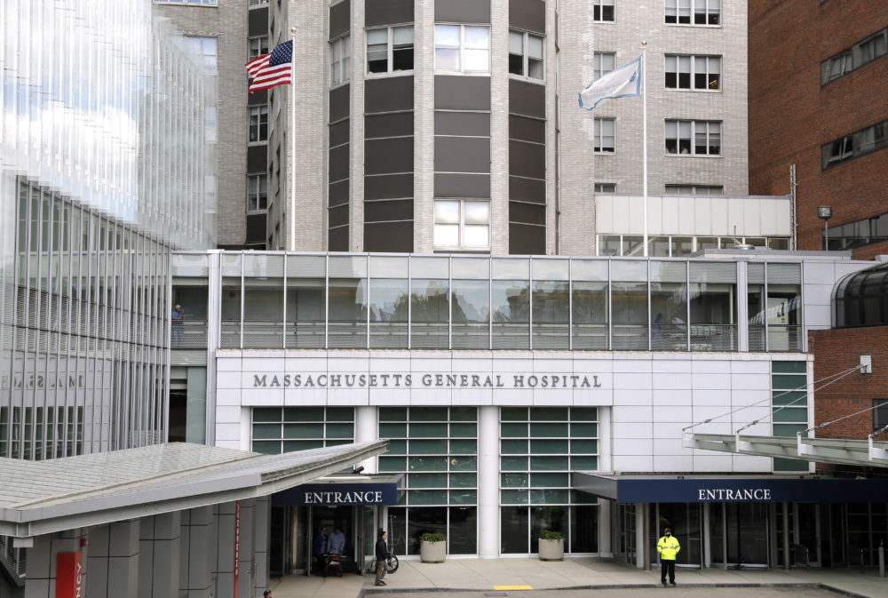 The main entrance of Massachusetts General Hospital. (Elise Amendola/AP)