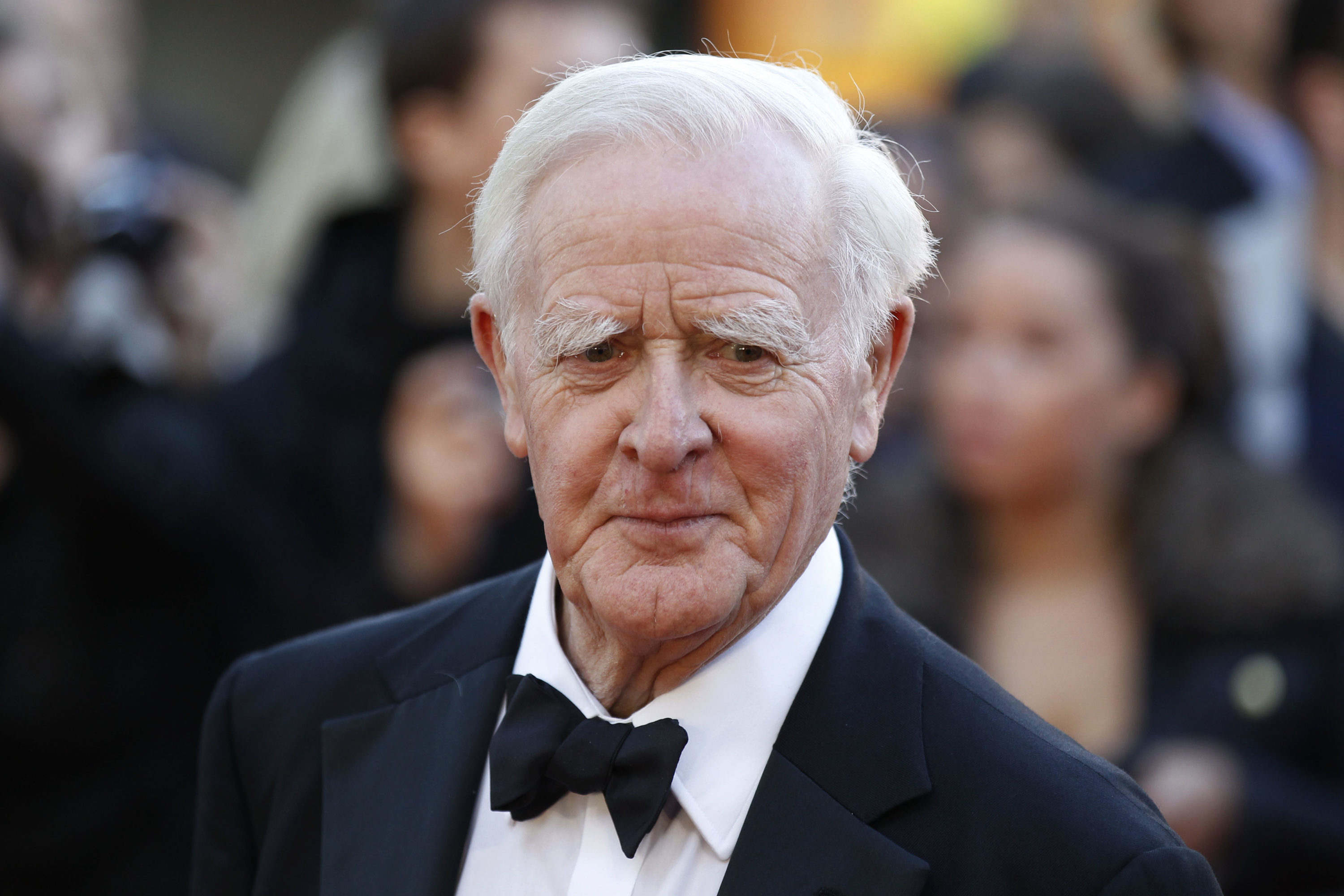 "John le Carrė arrives for the UK film premiere of the remake of ""Tinker Tailor Soldier Spy"" in 2011. (AP Photo/Sang Tan)"